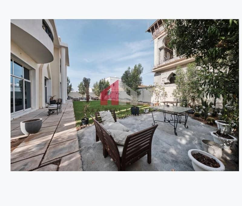 23 Luxuray!! Amazing 06 bedrooms  Villa for Sale in Qouz-4