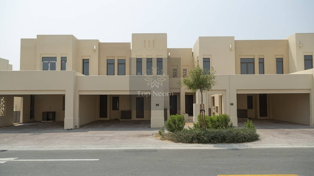 Luxury furnished  Villa in Reem Community