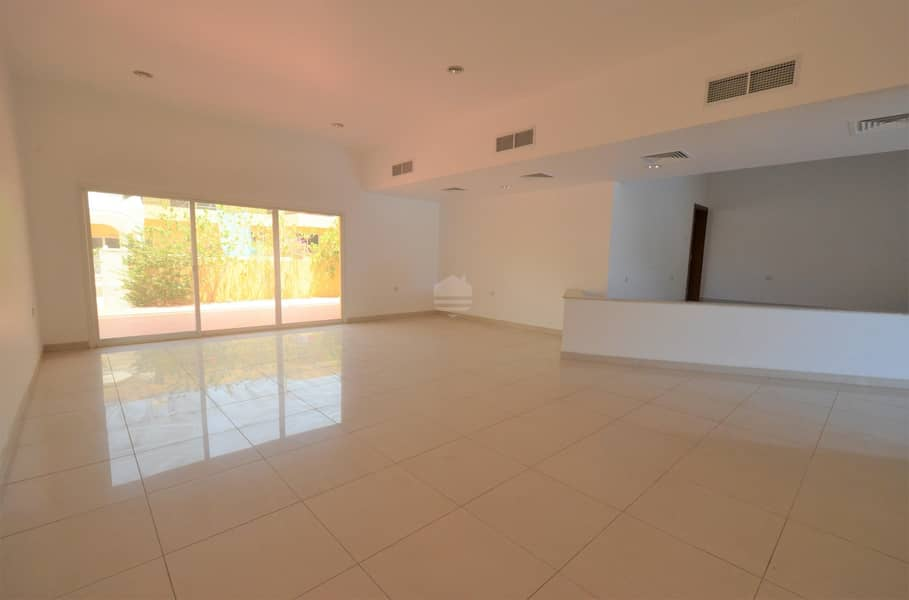Jumairah compound villa with maid room for rent