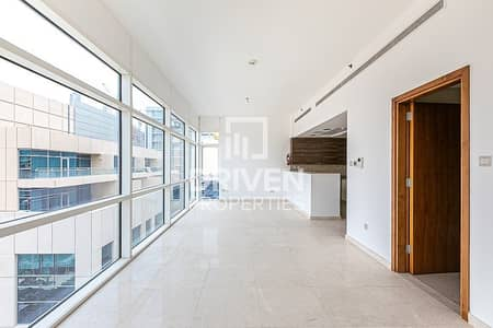 Studio for Rent in Business Bay, Dubai - Amazing Studio Apartment