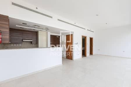 استوديو  للايجار في الخليج التجاري، دبي - Amazing Studio Apartment