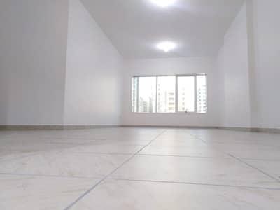 شقة 3 غرف نوم للايجار في منطقة الكورنيش، أبوظبي - شقة في المركز التجاري العالمي أبوظبي منطقة الكورنيش 3 غرف 90000 درهم - 4631248