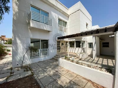 BRIGHT 4BR MAIDS VILLA CLOSE TO CANAL SHARED POOL JUMEIRAH 2