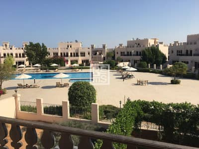3 Bedroom Townhouse for Rent in Al Hamra Village, Ras Al Khaimah - Tastefully Furnished Townhouse with Pool View