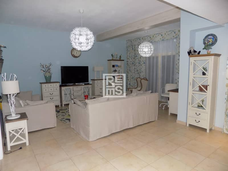 2 Tastefully Furnished Townhouse with Pool View