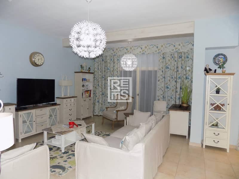 Tastefully Furnished Townhouse with Pool View
