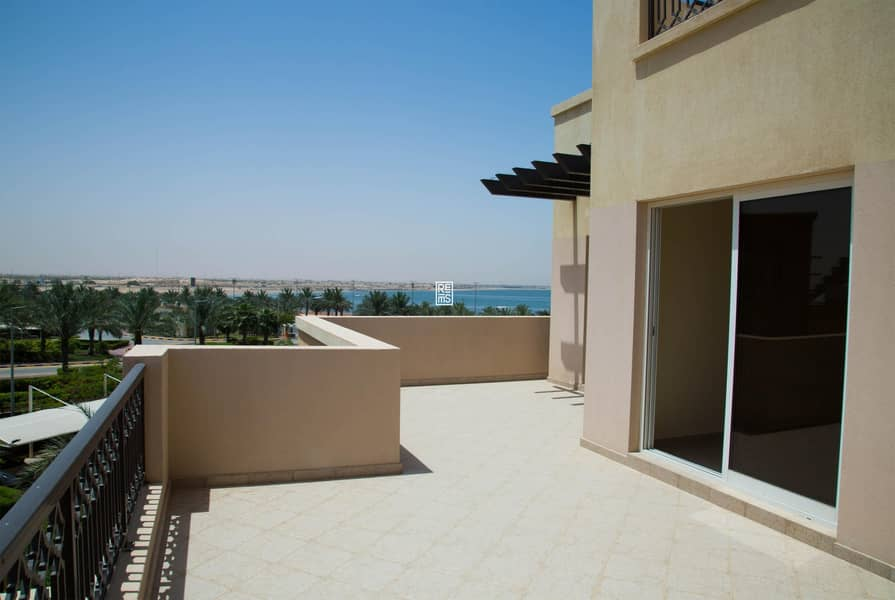 10 1BR Apartment with magnificent View for Sale