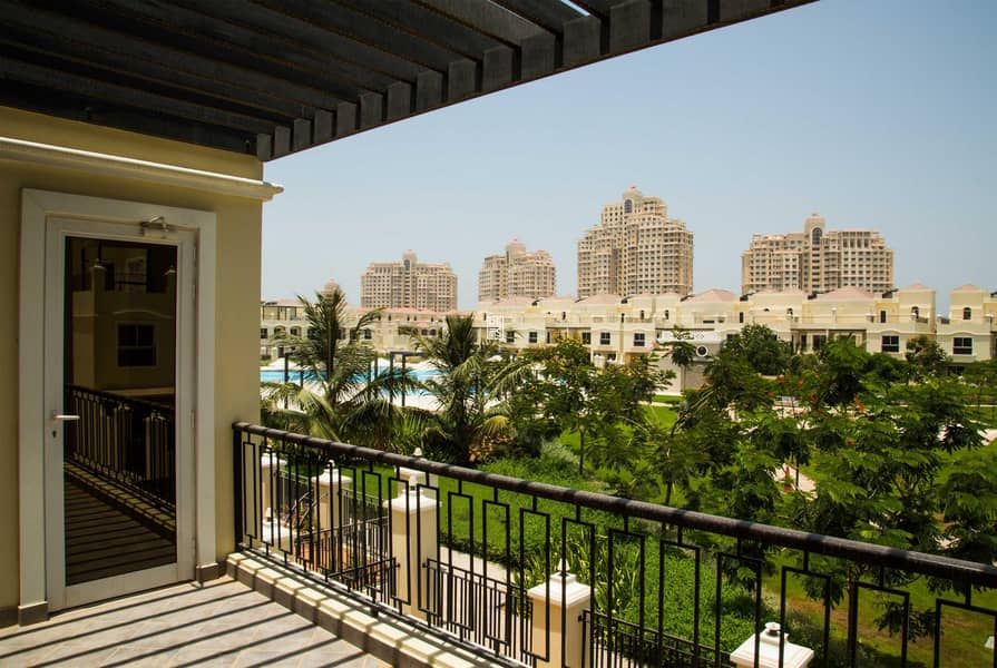 12 4BR Bayti Villa in the heart of Al Hamra Village