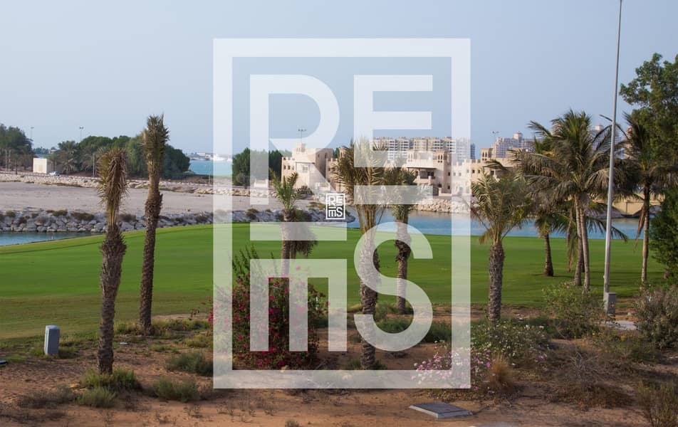 10 Fully furnished Studio in The Golf Apartments