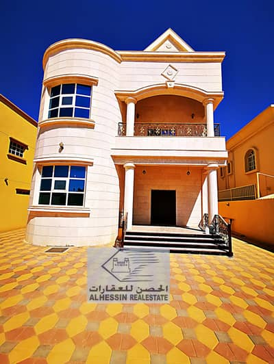 فیلا 5 غرف نوم للبيع في المويهات، عجمان - فيلا فاخرة مع واجهة حجرية مميزة