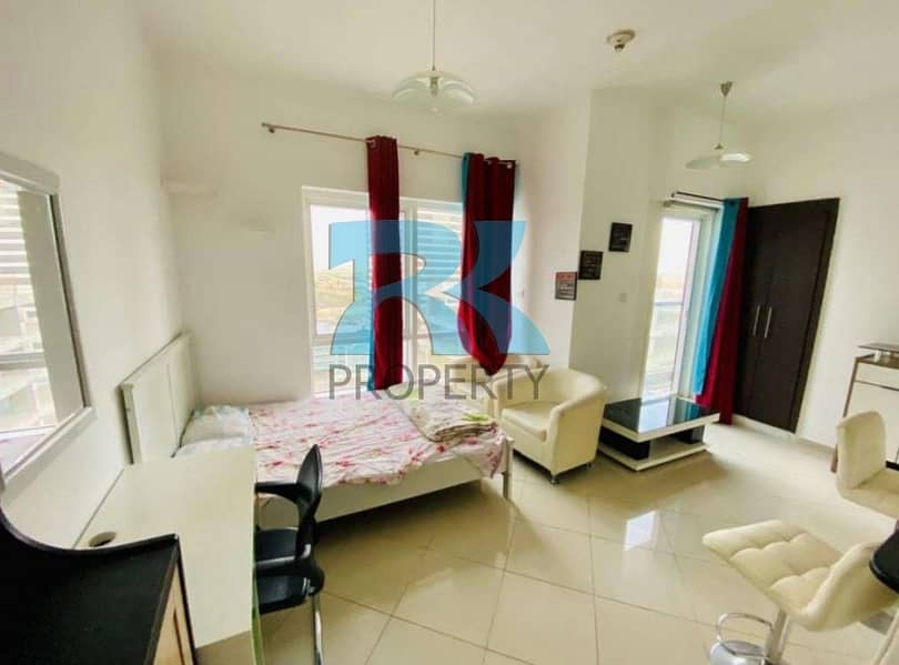 Fully-Furnished Studio with Balcony