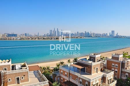 4 Bedroom Flat for Rent in Palm Jumeirah, Dubai - Luxurious 1 Bed Apt with Stunning Sea View
