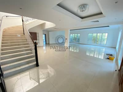 MODERN STYLE 4BR MAIDS SHARED POOL VILLA IN JUMEIRAH 3