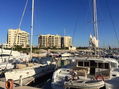 For sale Prime Location 3 bed marina flat with sea view