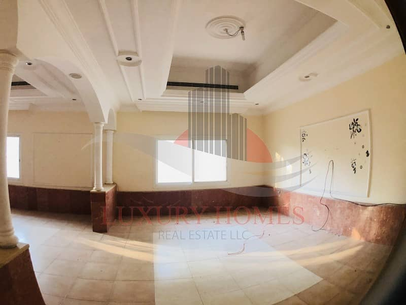 Private Entrance Close to Tawam Hospital with Yard