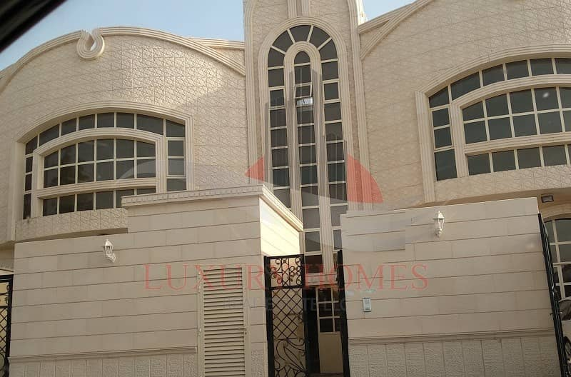12 Neat and Spacious Apt with Huge Hall near Schools