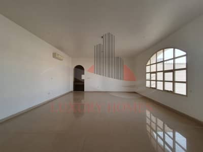 Separate Entrance Ground Floor with Huge Hall