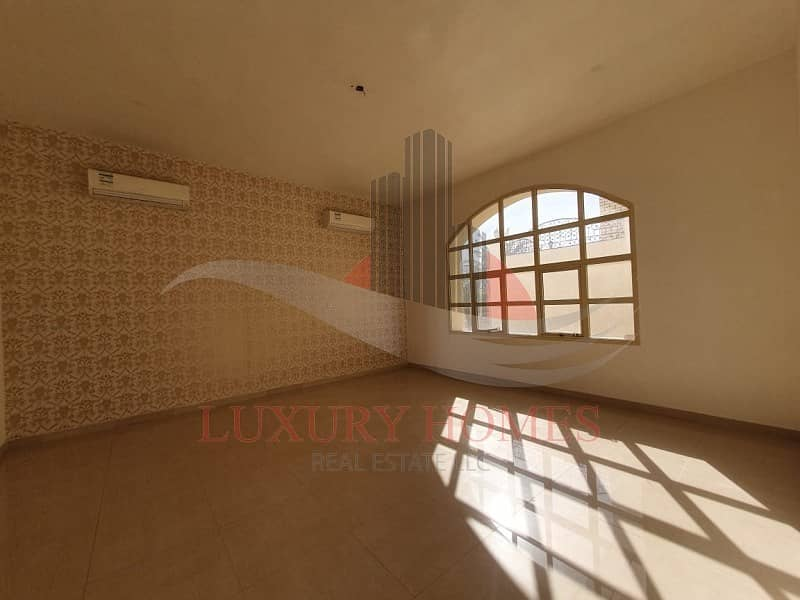 17 Separate Entrance Ground Floor with Huge Hall