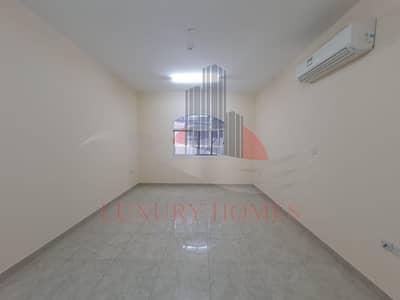 شقة 3 غرف نوم للايجار في عشارج، العین - Elegant and Beautiful Spacious Apt on a Main Road