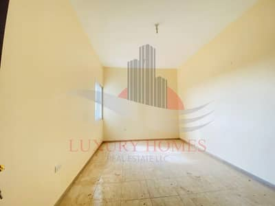 Office for Rent in Al Khabisi, Al Ain - Wonderful Street View on Perfect Location