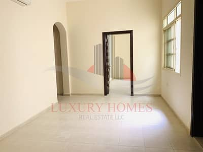 2 Bedroom Flat for Rent in Asharej, Al Ain - Spacious Apt Close To UAEU with Wardrobes