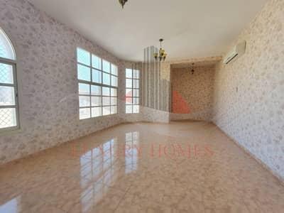 فیلا 4 غرف نوم للايجار في المويجعي، العین - Wonderful Decorated with Private Entrance and Yard