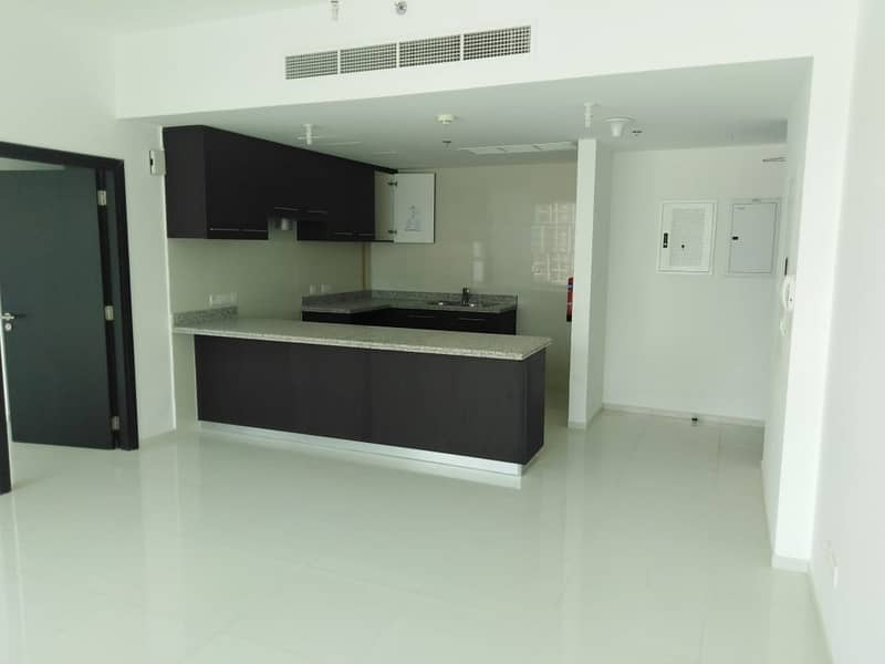 22 **12 Payments** Superb 1 BR Apartment with Canal View