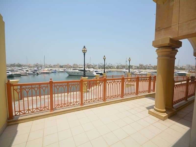 Private garage l Direct access to Nakheel Mall