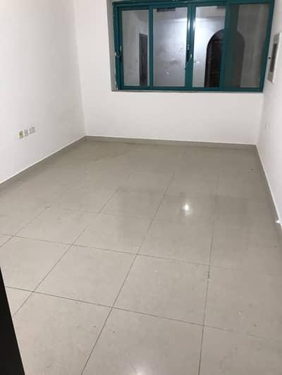شقة 1 غرفة نوم للايجار في مصفح، أبوظبي - Perfectly Priced! One Bedroom & Hall with 2 washrooms Balcony Chiller Free