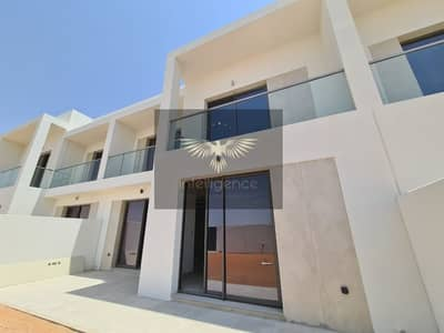 3 Bedroom Townhouse for Rent in Yas Island, Abu Dhabi - A dream location! Ultra Modern with so much space!