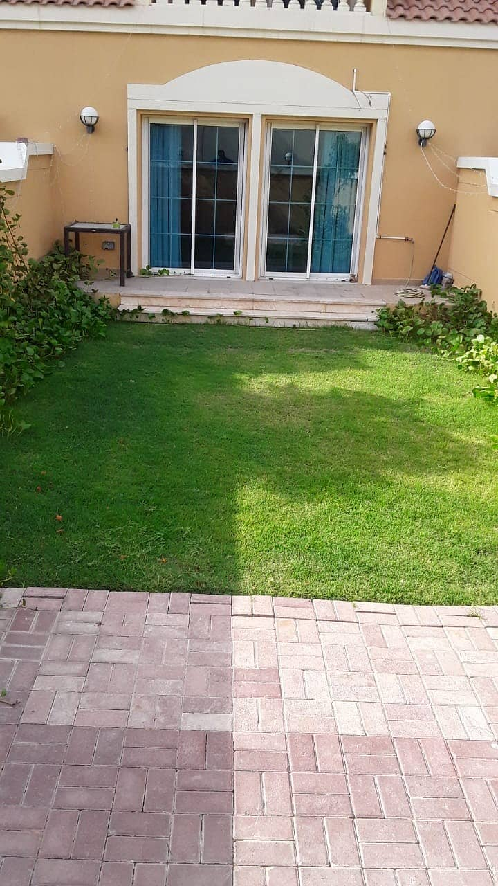 1Br | 4Cheques | Green Garden | White Goods Inclusive