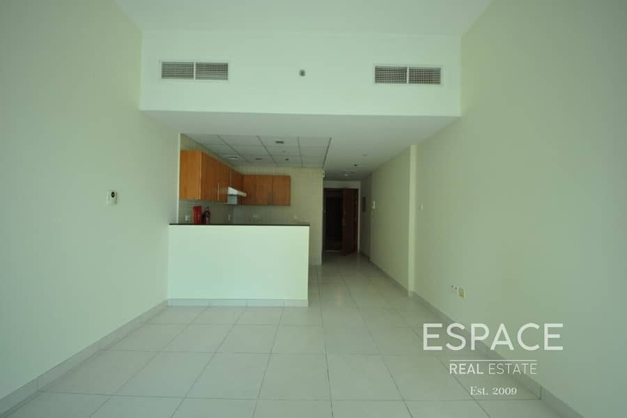 Unfurnished | Near Metro | Vacant