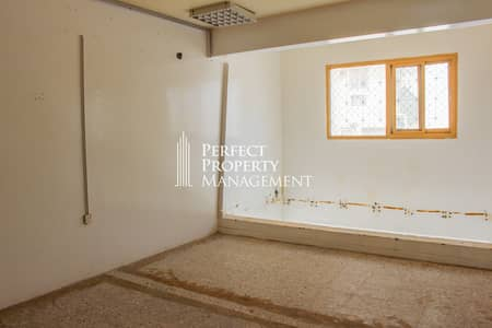 Shop for Rent in Rak City, Ras Al Khaimah - Very spacious shop for rent in a main street in Old Ras Al Khaimah