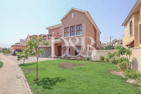 فیلا 4 غرف نوم للايجار في عقارات جميرا للجولف، دبي - Private Pool with Lake View | Vacant | Plus Maids