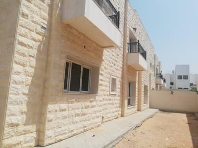 فیلا 5 غرف نوم للايجار في جميرا، دبي - Well maintained 5 Bed Villa +Service Block
