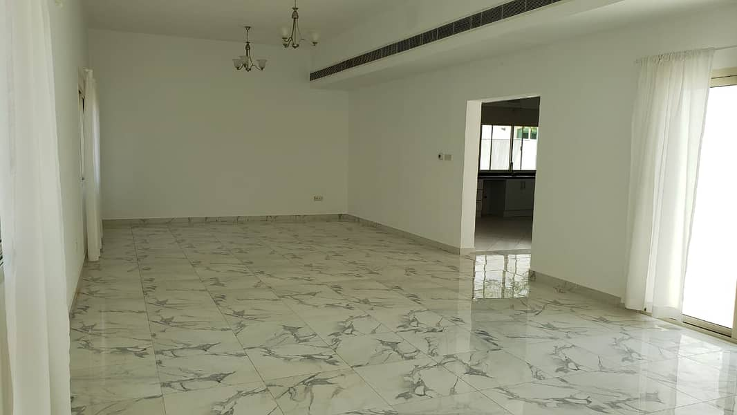 2 luxury 5 beeroom villa with maid and store 7000 sqft ready to move.