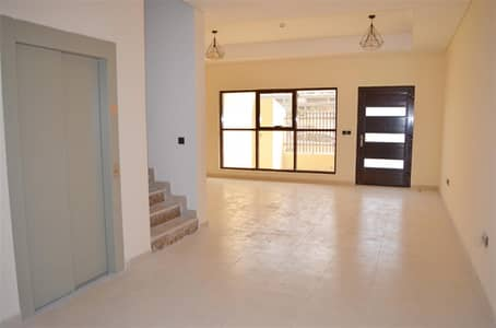 تاون هاوس 4 غرف نوم للبيع في قرية جميرا الدائرية، دبي - 4BR with lift brand new vacant Park Villas 6 JVC