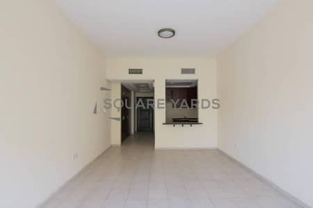 studio for rent well maintained with balcony
