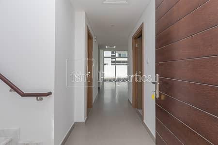 فیلا 3 غرف نوم للايجار في مدن، دبي - BrandNew 3Bedroom Maid & Near Pool Ready To Move