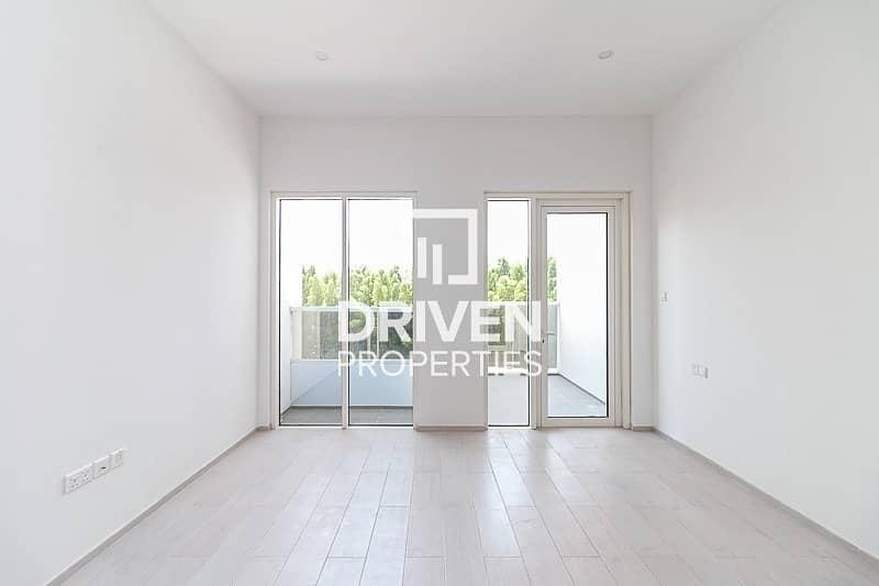 Modern Designed Studio Apartment with Balcony