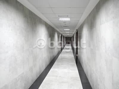 شقة في برج المدينة النعيمية 3 النعيمية 1 غرف 250000 درهم - 4636316