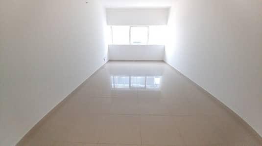 استوديو  للايجار في النهدة، الشارقة - شقة في النهدة 17999 درهم - 4636495