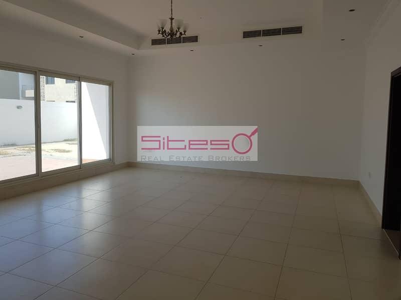 2 Excellent 4BR detached Specious villa in AL Barsha 1