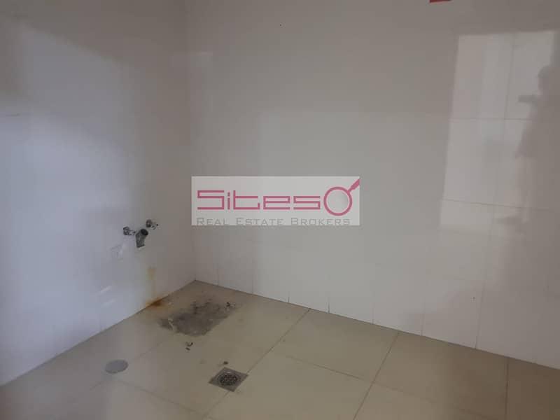 30 Excellent 4BR detached Specious villa in AL Barsha 1