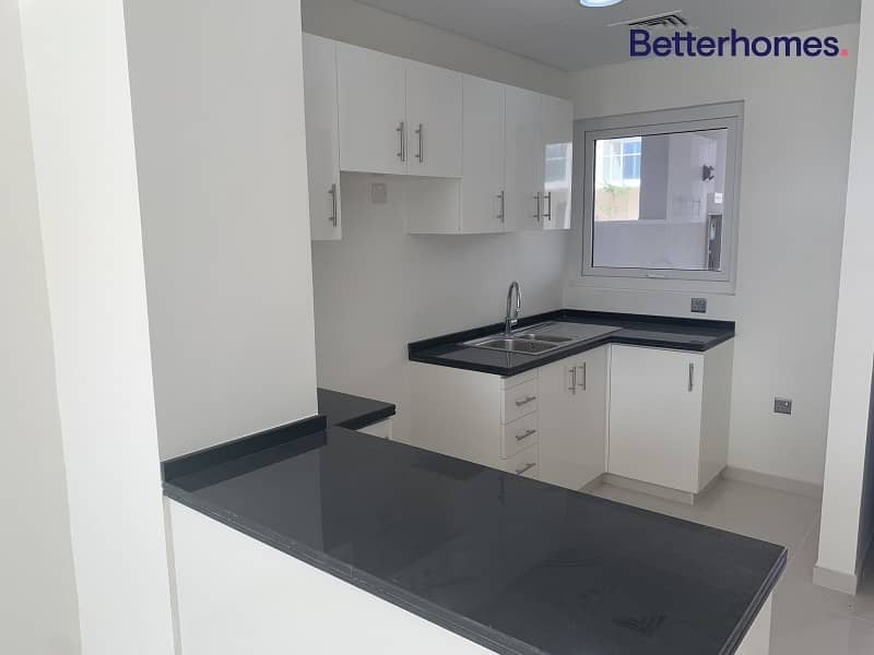 2 1 month free |VERY SMALL VILLA|open plan kitchen