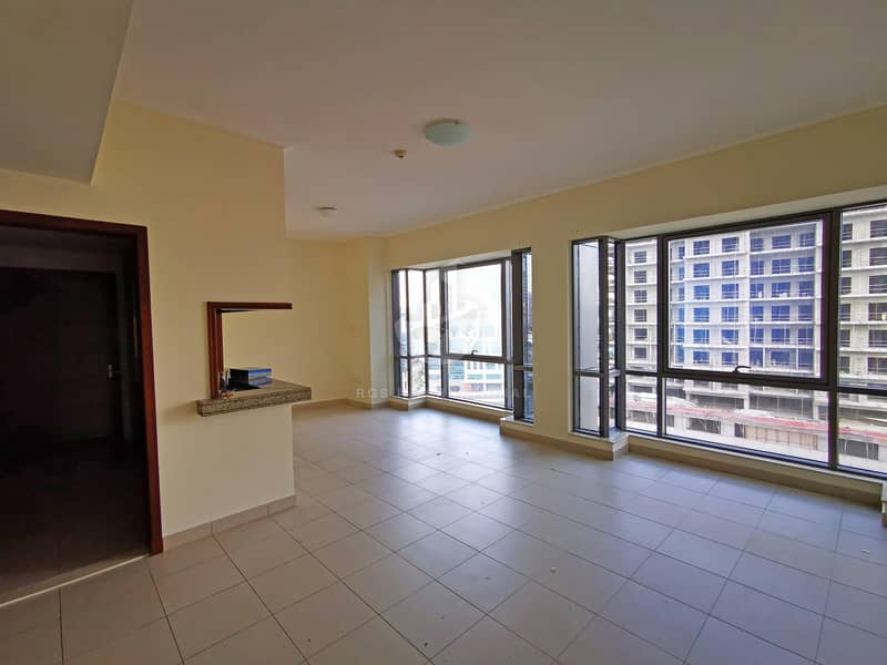 Large 1-BRDowntown ViewVacant & Ready to MoveMid Floor
