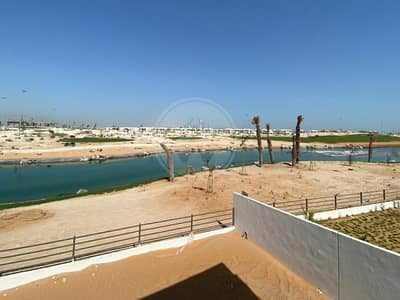 5 Bedroom Villa for Sale in Yas Island, Abu Dhabi - EXCLUSIVE I Direct golf course frontage I Move in!