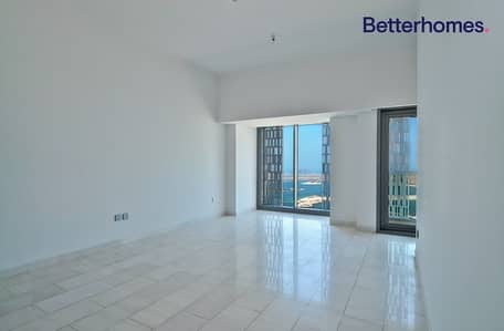 1 Bedroom Apartment for Sale in Dubai Marina, Dubai - Great Sea View| High Floor | Unfurnished |Tenanted