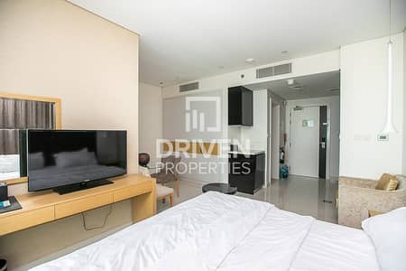 Studio for Rent in Business Bay, Dubai - Canal Views Well-Maintained Furnished Studio