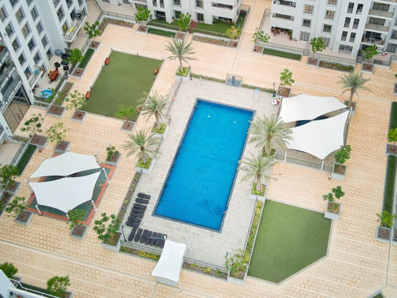 18 Bright Apartment | Pool Access | Rent Online